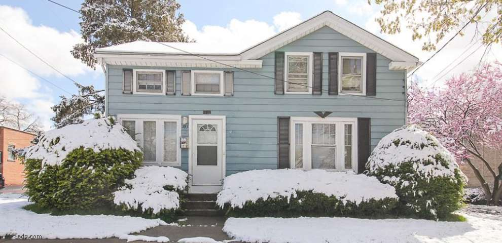 393 S Main St, Amherst, OH 44001