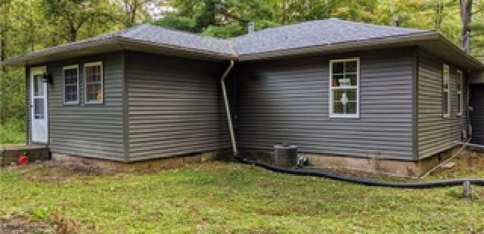 9869 Gifford Rd, Amherst, OH 44001