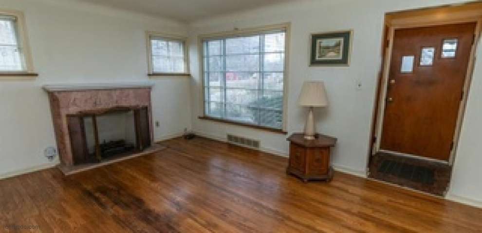 101 W Fifth Ave, Berea, OH 44017 - Property Images