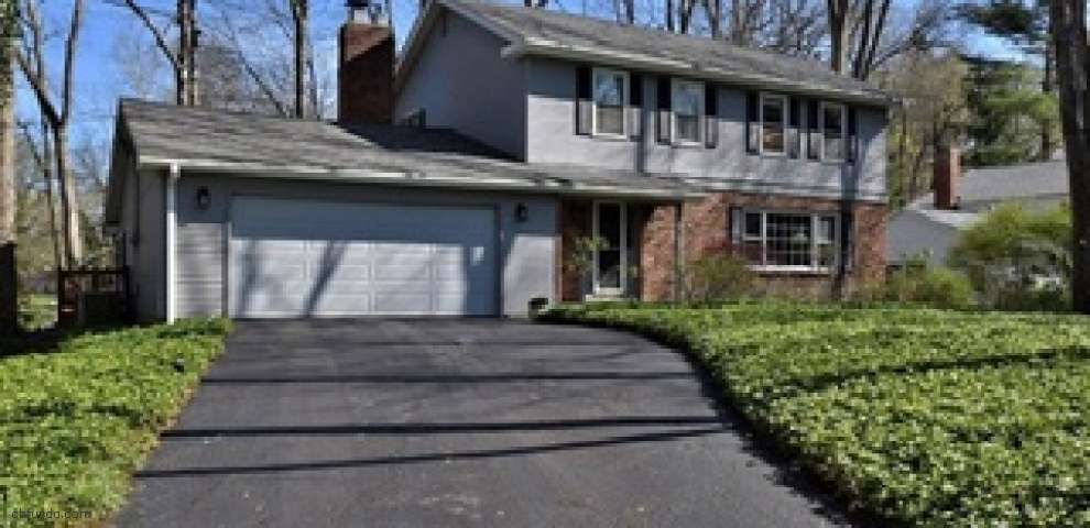 100 Carriage Stone Dr, Chagrin Falls, OH 44022 - Property Images