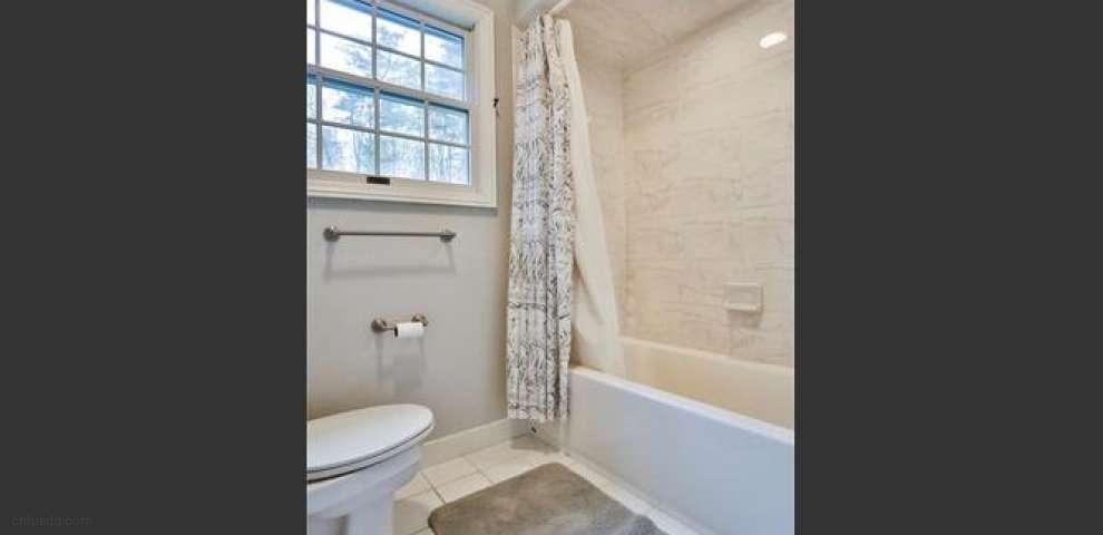 1080 Sheerbrook Dr, Chagrin Falls, OH 44022 - Property Images