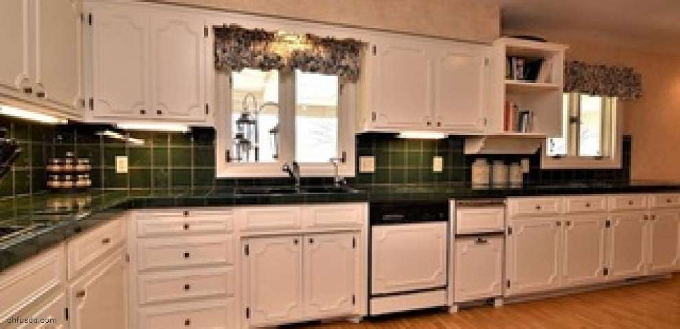14681 County Line Rd, Chagrin Falls, OH 44022