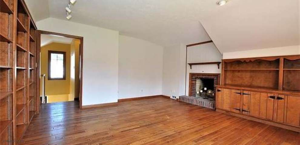 35096 Cannon Rd, Bentleyville, OH 44022