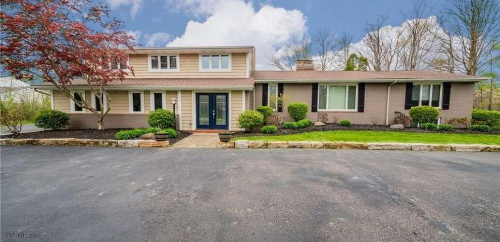 40 Riverstone Dr, Moreland Hills, OH 44022
