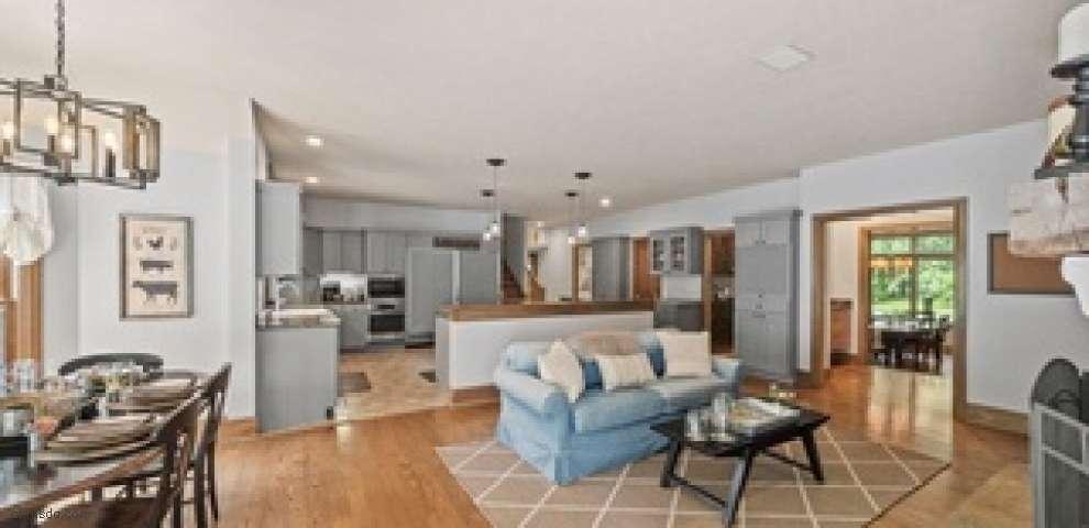 7160 Fox Ledges Ln, Chagrin Falls, OH 44022 - Property Images