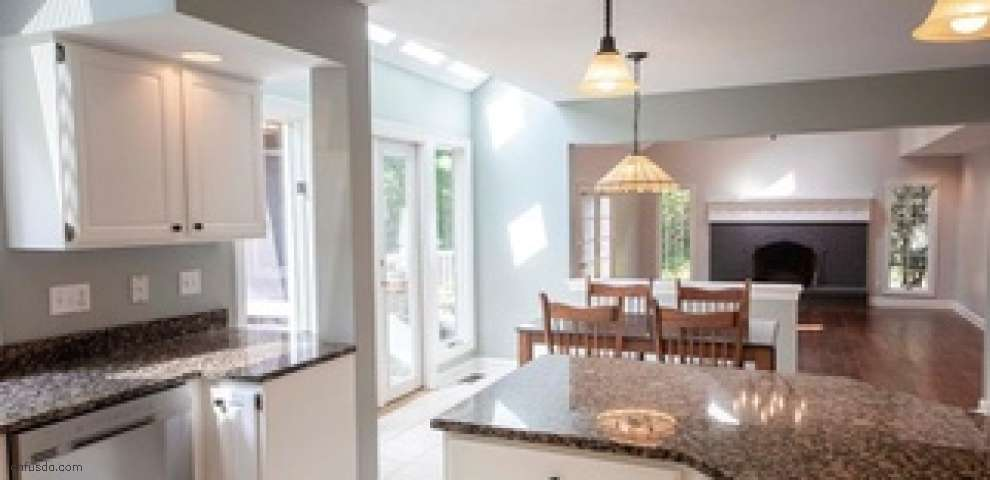 72 Waterford Dr, Chagrin Falls, OH 44022