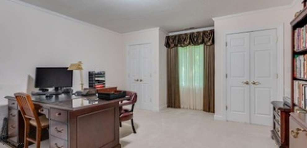 8036 Music St, Chagrin Falls, OH 44022