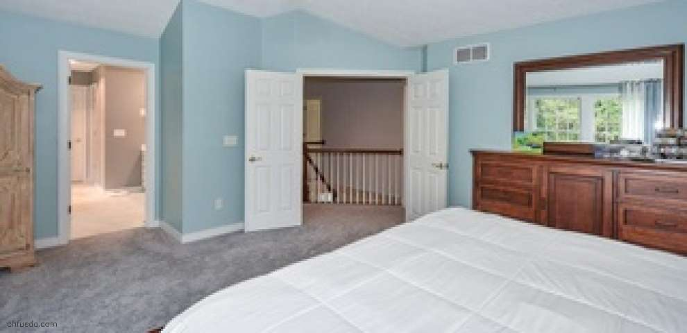 16410 Crown Pointe, Chagrin Falls, OH 44023