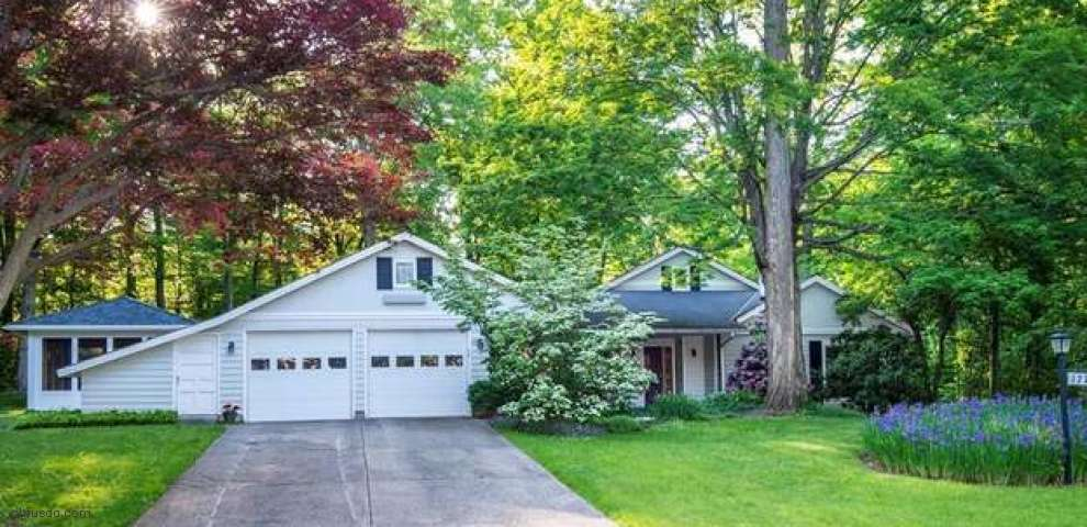 17165 Woodmere Dr, Chagrin Falls, OH 44023 - Property Images