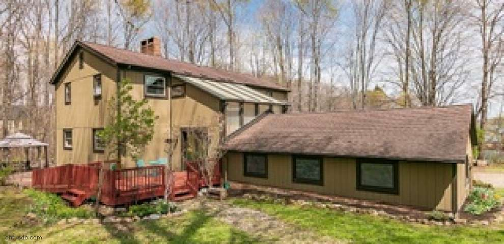 17200 Valley Rd, Chagrin Falls, OH 44023