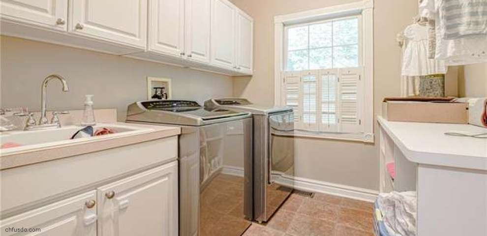 17441 Lakesedge Trl, Chagrin Falls, OH 44023 - Property Images