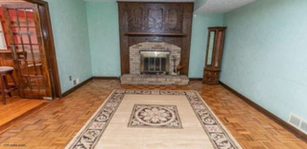18817 Rivers Edge Dr W, Chagrin Falls, OH 44023