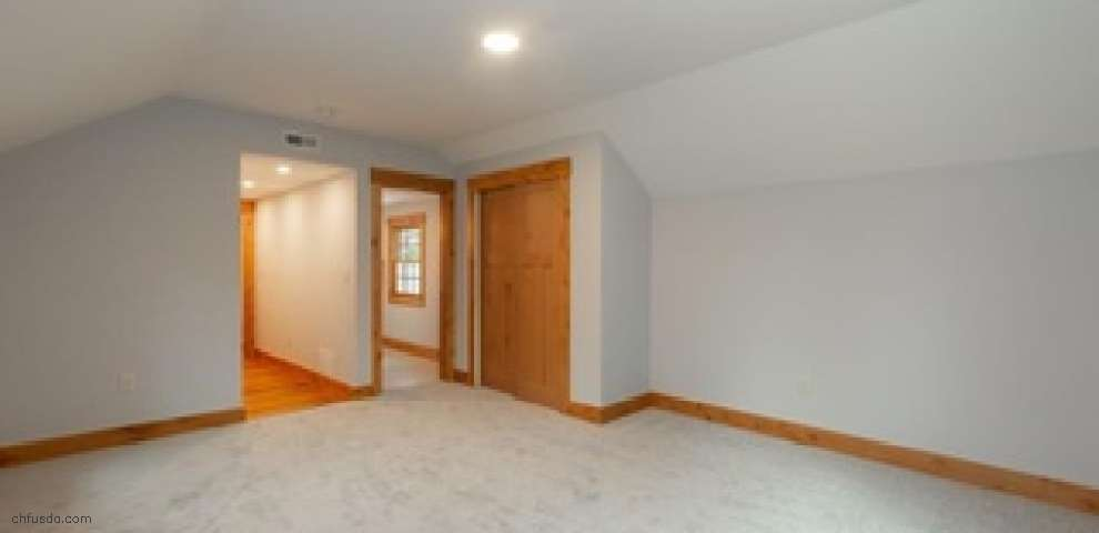 18861 Snyder Rd, Chagrin Falls, OH 44023