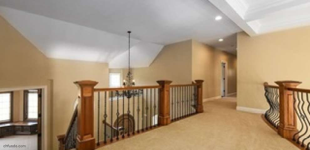 8145 Woodberry Blvd, Chagrin Falls, OH 44023
