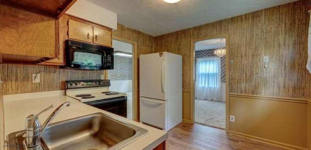 9771 East Washington St, Chagrin Falls, OH 44023