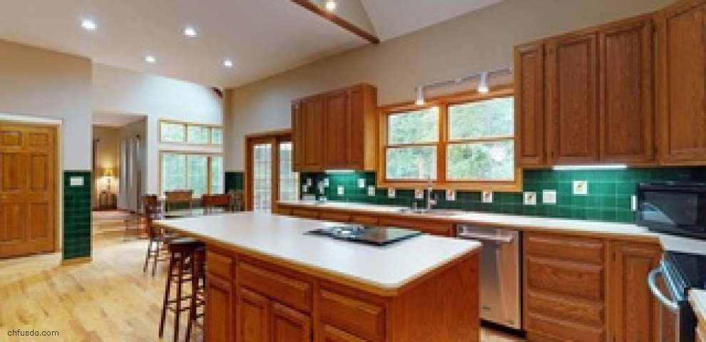 10345 Thwing Rd, Chardon, OH 44024 - Property Images