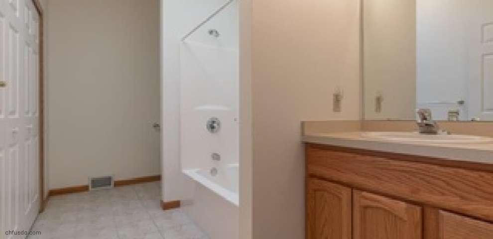 10460 Locust Grove Dr, Chardon, OH 44024 - Property Images