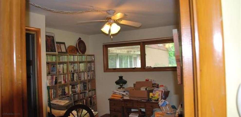 10880 Howard Dr, Chardon, OH 44024 - Property Images