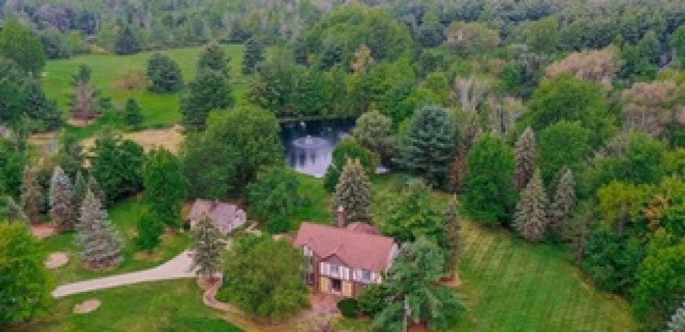 7605 Pelham Dr, Chesterland, OH 44026 - Property Images