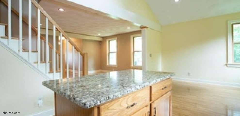 10786 E River Rd, Columbia Station, OH 44028