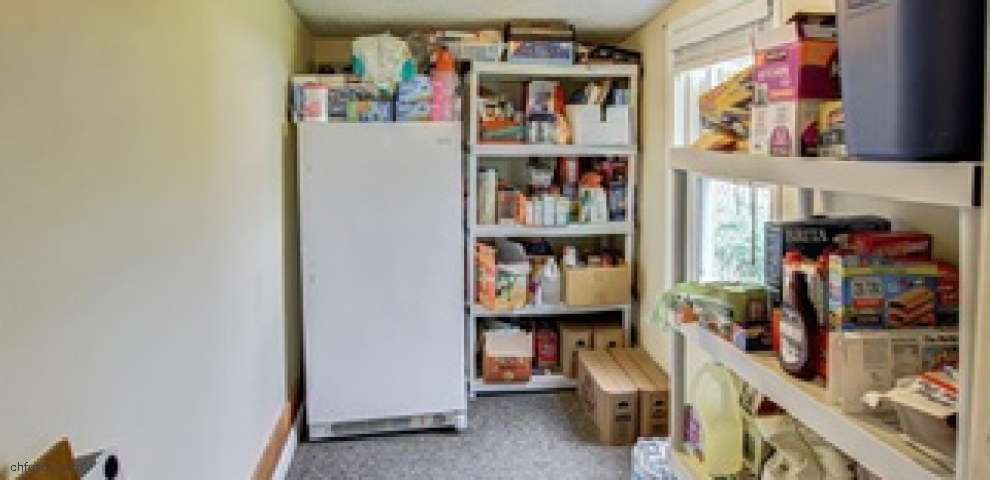 9884 Fremont Dr, Columbia Station, OH 44028
