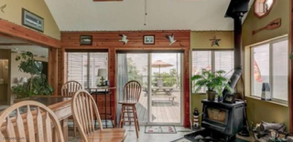 1354 1/2 Lake Rd, Conneaut, OH 44030 - Property Images