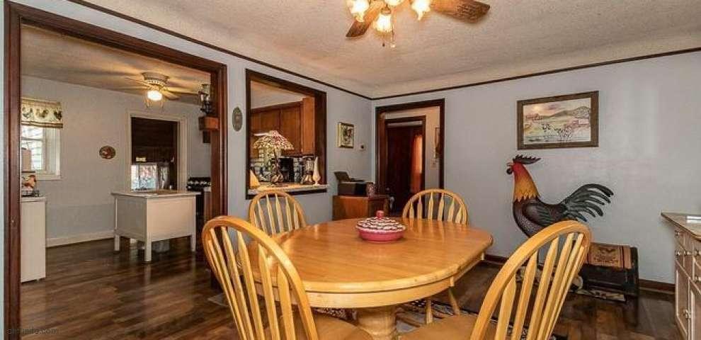 165 Cedar Rd, Conneaut, OH 44030