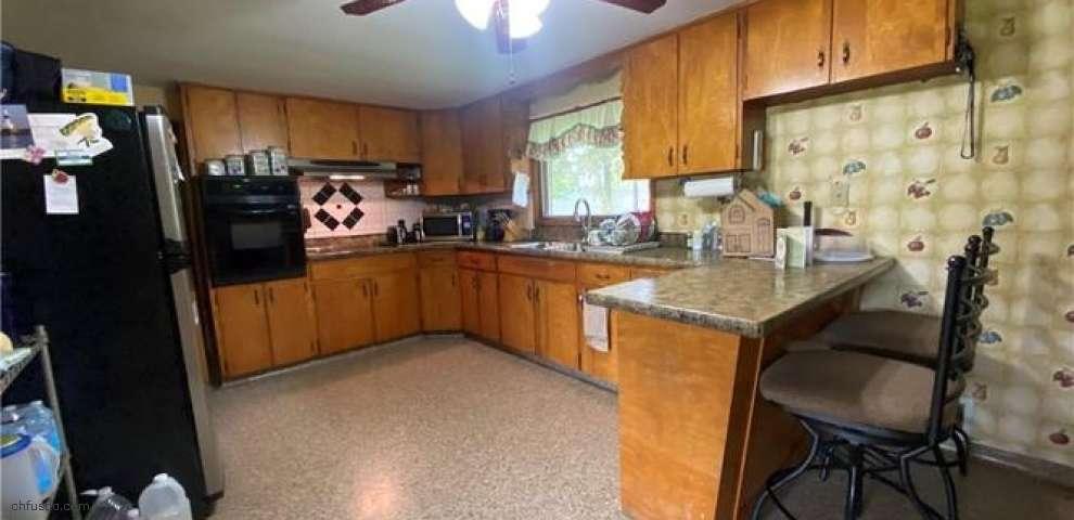 218 Locust Dr, Conneaut, OH 44030 - Property Images