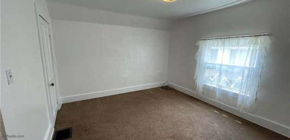 250 Lee St, Conneaut, OH 44030 - Property Images