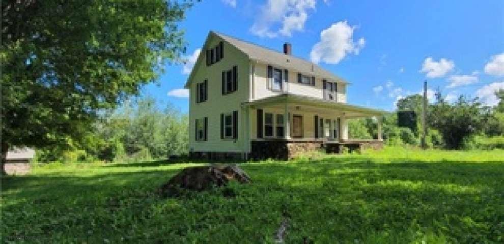 370 E Under Ridge Rd, Conneaut, OH 44030 - Property Images