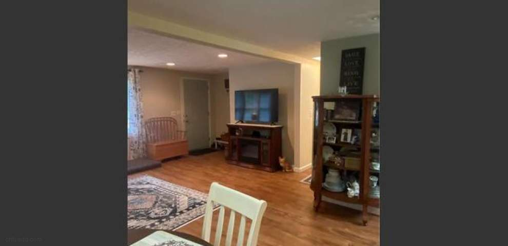 3942 Lake Rd, Conneaut, OH 44030 - Property Images