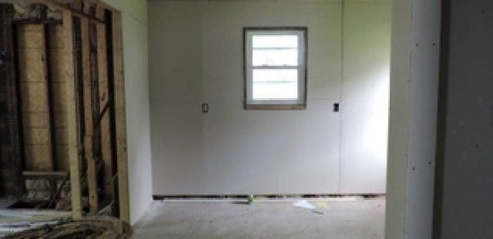 423 State St, Conneaut, OH 44030 - Property Images
