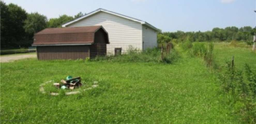 3233 Tower Rd, Dorset, OH 44032
