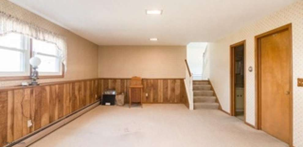 121 Woodview Dr, Elyria, OH 44035 - Property Images