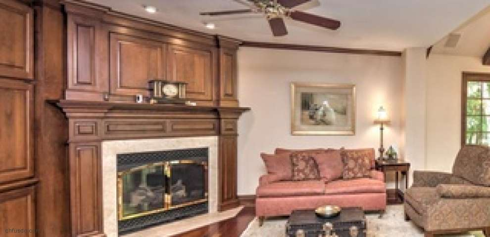 1740 Carriage Pl, Gates Mills, OH 44040