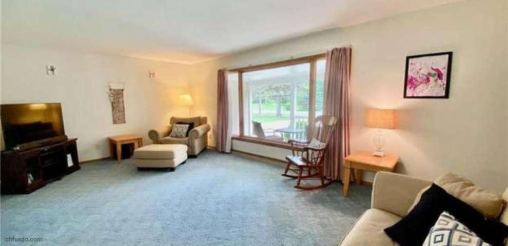 137 Greenridge Dr, Geneva, OH 44041 - Property Images
