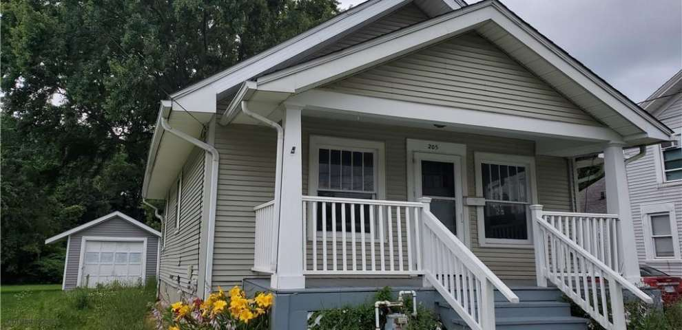 205 Woodlawn St, Geneva, OH 44041 - Property Images
