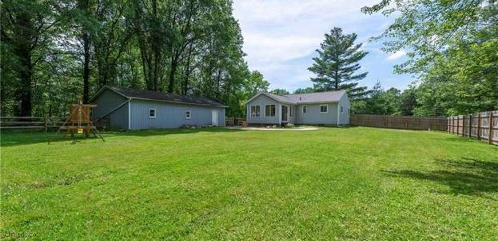 12351 Durkee Rd, Grafton, OH 44044