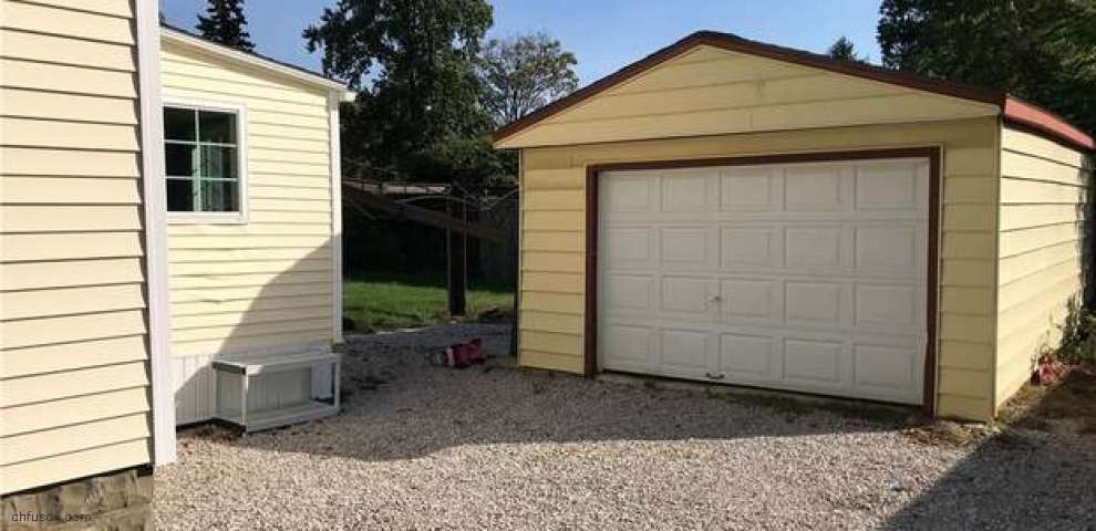 1483 Deermont Ave, Madison, OH 44057