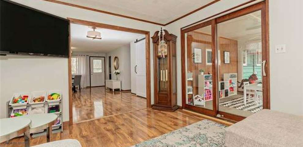 7618 Fern Dr, Mentor-On-The-Lake, OH 44060