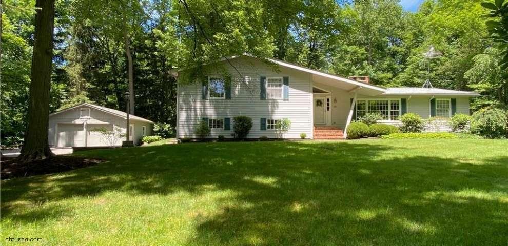 11140 Whitewood Dr, Newbury, OH 44065