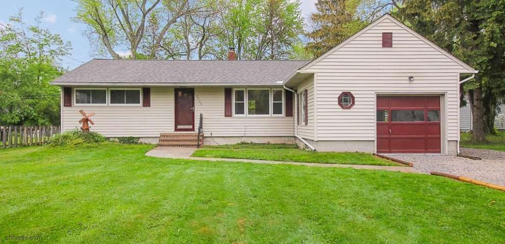 5723 Elmhurst Rd, North Olmsted, OH 44070