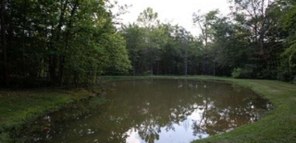 14060 Fox Hollow Dr, Novelty, OH 44072