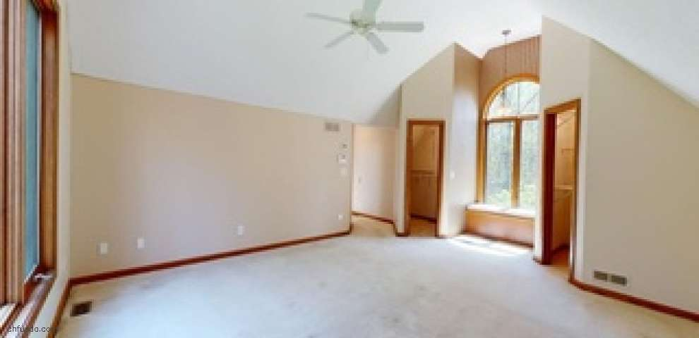 14614 Morgan Trl, Russell, OH 44072