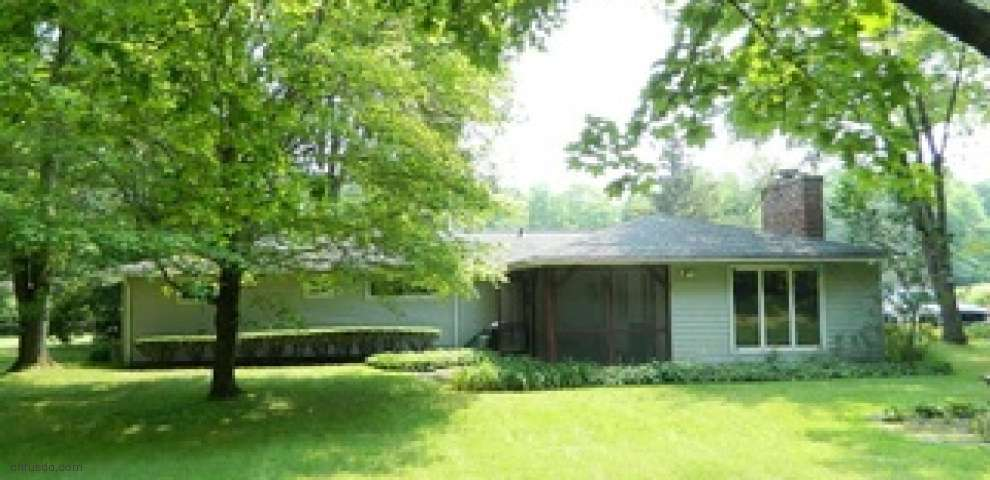 8422 Chagrin Mills Rd, Novelty, OH 44072