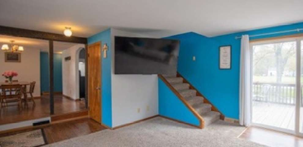 11093 Vermilion Rd, Oberlin, OH 44074