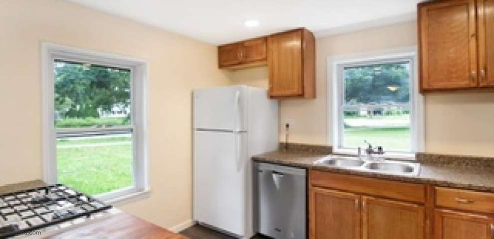 498 W College St, Oberlin, OH 44074