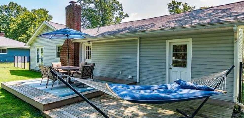 10821 Tanglewood Trl, Painesville, OH 44077