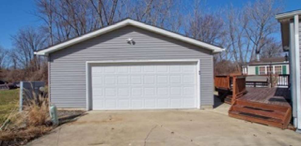355 Golfway Dr, Painesville Township, OH 44077