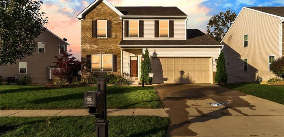10223 Flagstone Dr, Twinsburg, OH 44087